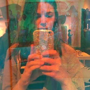 Ana R profile picture
