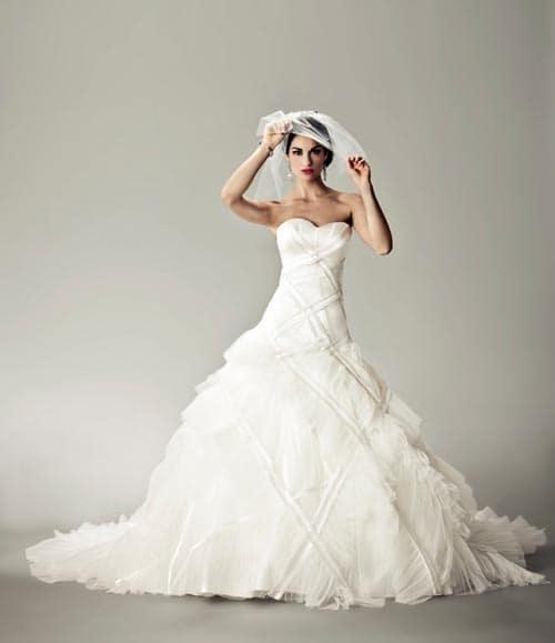 Jetzt Gibt Es Ein Wunderschönes Brautkleid Von Matthew Christopher