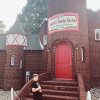 Leaving Holiday World: Updates in Real Time