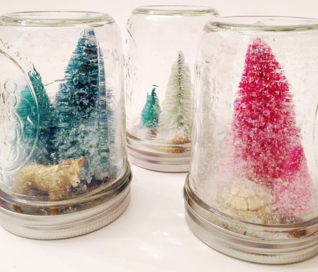 DIY modern mason jar snow globes | Oh Lovely Day