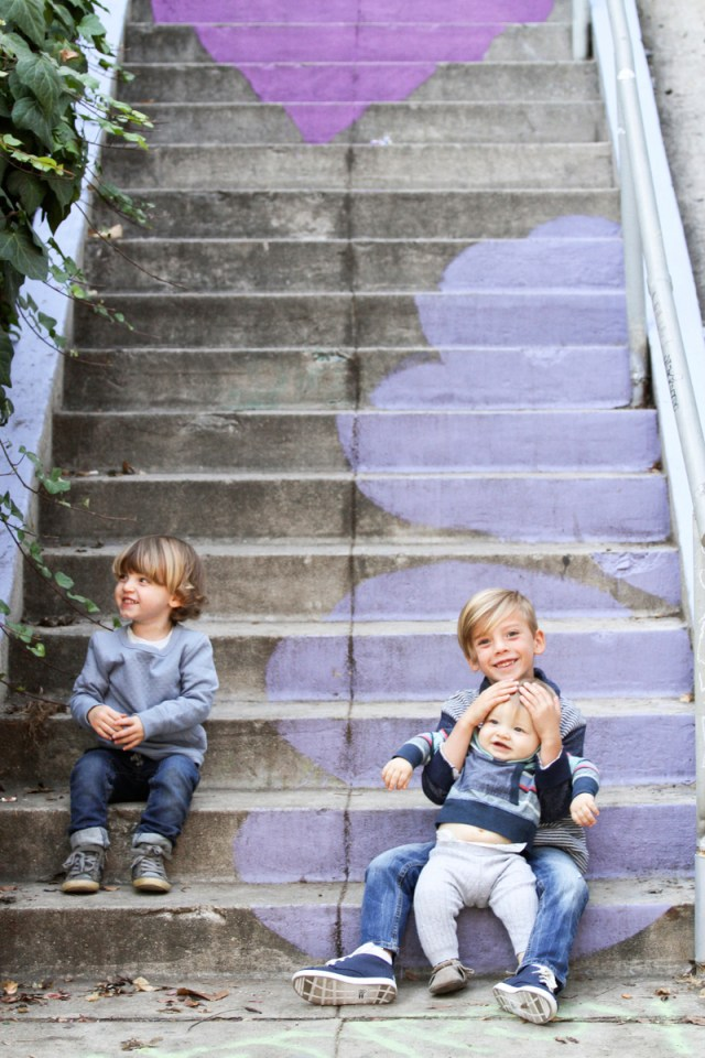 Cute & Colorful family of five photoshoot in Los Angeles | Oh Lovely Day & photos by Jen Roper
