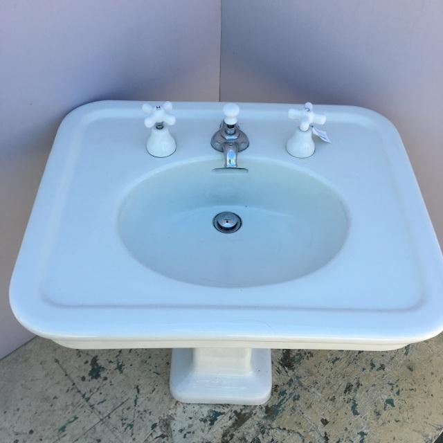 Pedastal Sinks
