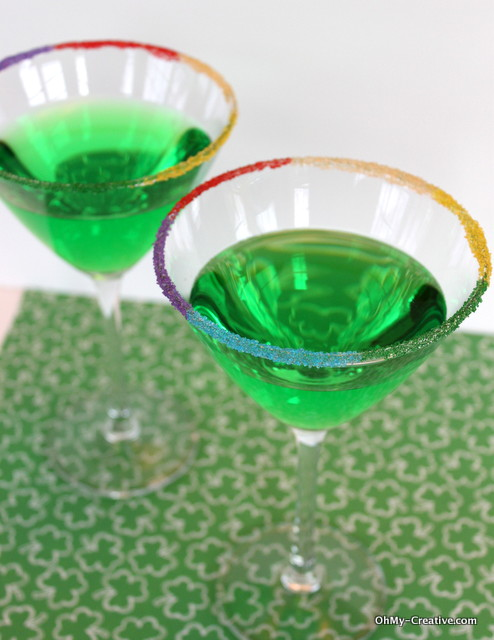 Add a festive St. Patrick's Day drinks | OHMY-CREATIVE.COM | St. Patrick's Day Cocktail | Green Drinks | Green Apple Martini | Shamrock | Rainbow #StPatricksDay #Cocktails #RimSugar