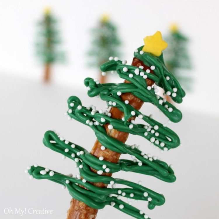 These fun Chocolate Pretzel Christmas Trees are a fun Christmas Party Dessert! | OHMY-CREATIVE.COM