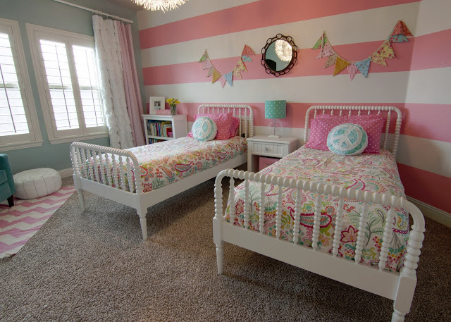 Pink-Turquoise-Girls-Bedroom