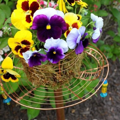 DIY Garden Decor – Teacup Garden Stake