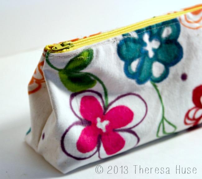 Zipper-Pouch-handmade-fabric-Theresa-Huse