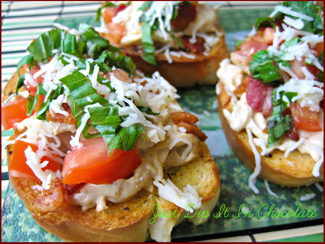 Alfredo and Pesto Chicken Bruschetta Recipe