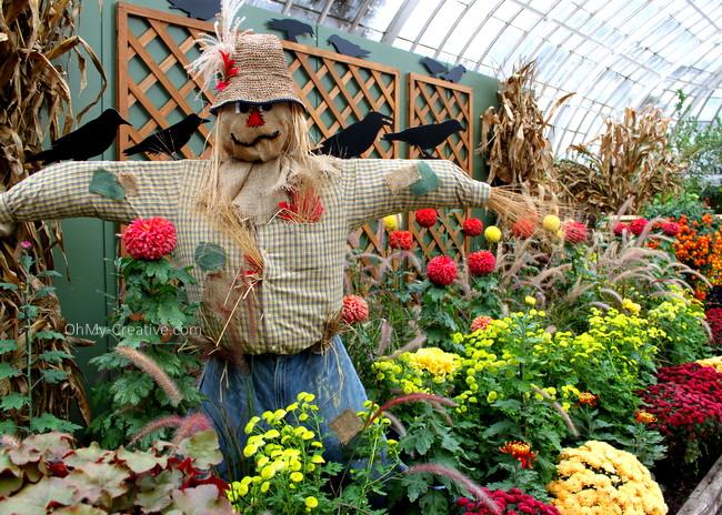 Scarecrow Garden Tour | OhMy-Creative.com
