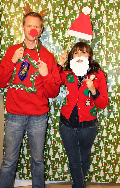 ugly-christmas-sweater-party-photobooth