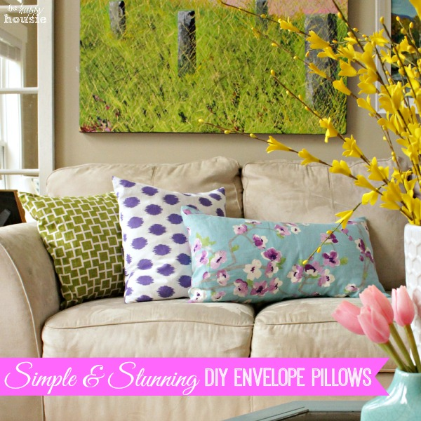 Simple-and-Stunning-DIY-Envelope-Pillows-how-to-at-The-Happy-Housie