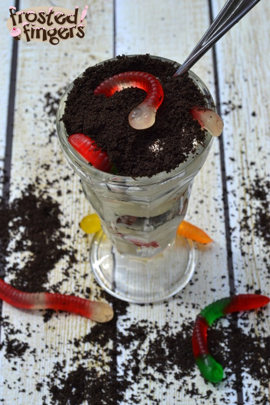 Dirt-Cake-GummyWormDay