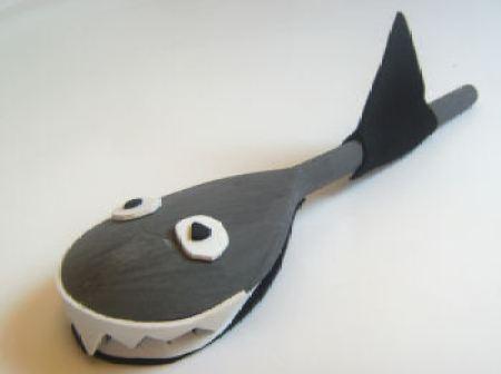 wooden spoon shark craft