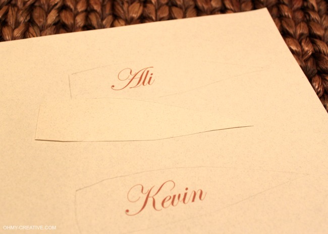 How to print out names for Thanksgiving Place Cards | OHMY-CREATIVE.COM