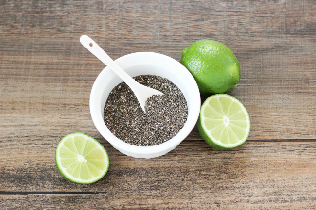Get healthy and consume more water by drinking this Chia Detox Water with a hint of lime! A great detox drink | OHMY-CREATIVE.COM
