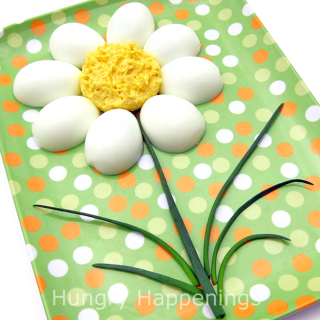 How to make a daisy out of deviled eggs