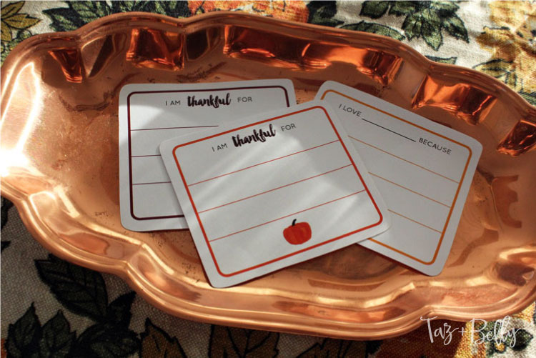 Looking for the perfect fall activity to share with your kids or start a new Thanksgiving Tradition? Practice being thankful for one another with this quick DIY 'Be Thankful' Jar! Includes Free Printable Thankful Cards! | OHMY-CREATIVE.COM #thanksgivingprintable #thankfulcards #gratitudejar #thankfuljar