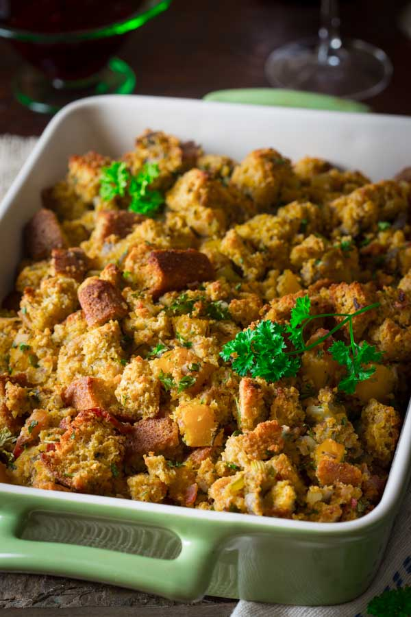 Bacon Butternut Squash Cornbread Stuffing - 25 Thanksgiving Side Dishes to complete your Thanksgiving dinner! Including Thanksgiving vegetable side dish recipes, traditional Thanksgiving recipes as well as new recipes to try! | OHMY-CREATIVE.COM