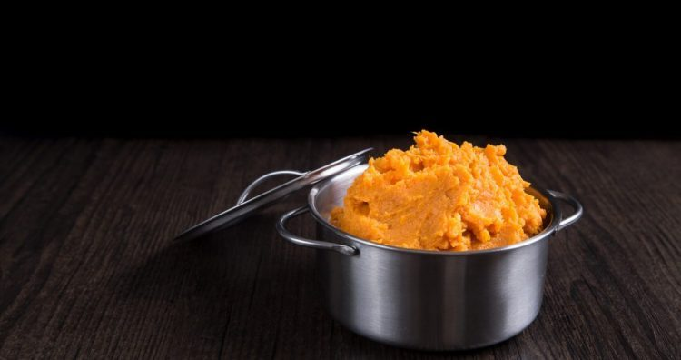 CREAMY PRESSURE COOKER MASHED SWEET POTATOES - 25 Thanksgiving Side Dishes to complete your Thanksgiving dinner! Including Thanksgiving vegetable side dish recipes, traditional Thanksgiving recipes as well as new recipes to try! | OHMY-CREATIVE.COM
