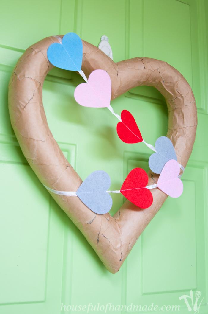$3 Rustic Valentines Heart Wreath | Housefulofhandmade.com