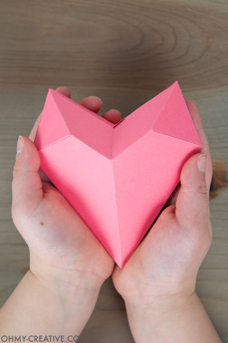How to Make a 3D Paper Heart Box - Oh My Creative