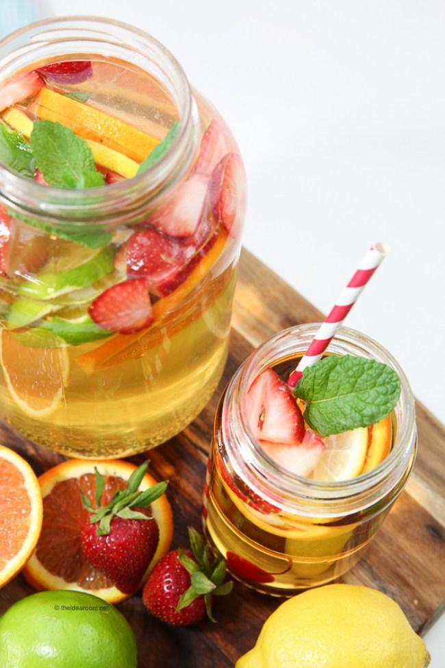 Non-Alcoholic Fruit Sangria Drink | 30 Graduation Party Food Ideas | OHMY-CREATIVE.COM