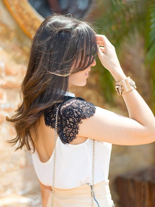 Mais detalhes da blusa Donna Ritz que a blogger Mônica Araújo usou.