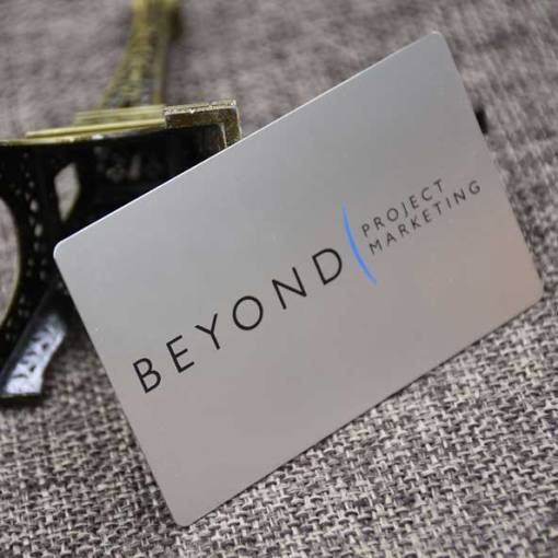 Matte-Silver-Metal-Business-Card