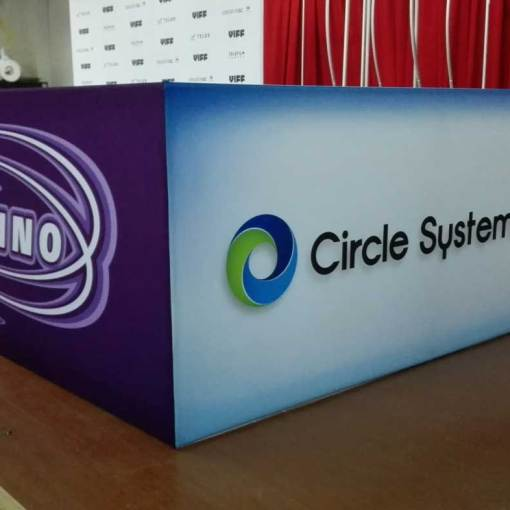 Hanging-Banners-for-Tradeshow