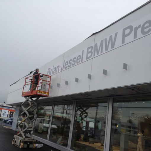 Large-Format-Sign-and-Sticker-Instalation-Vancouver