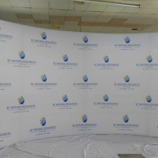 Large 10x20 Curved Step and Repeat Media Wall