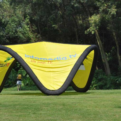 Large-Inflatable-Tents