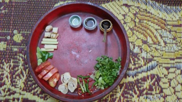 Ingredienti per una zuppa di Tom Yang