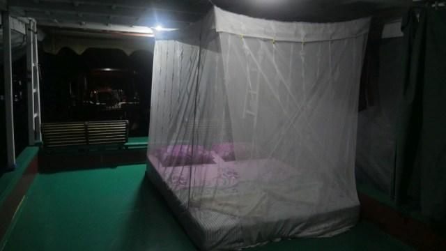 Schlafplatz auf dem Klotok Boot