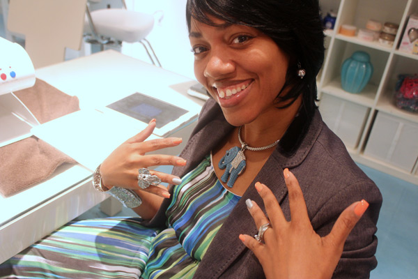 LA Lynn rockin the fresh mani. Love that gorg elephant necklace and ring!!!