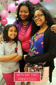 Nikka Shae with her little Princesses at Pink Pastry Parlor