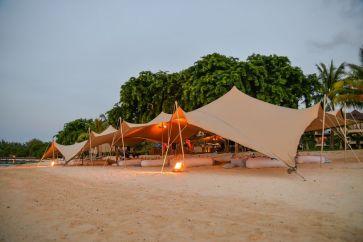 Day 1 - Setup on Beach - LQ-0013