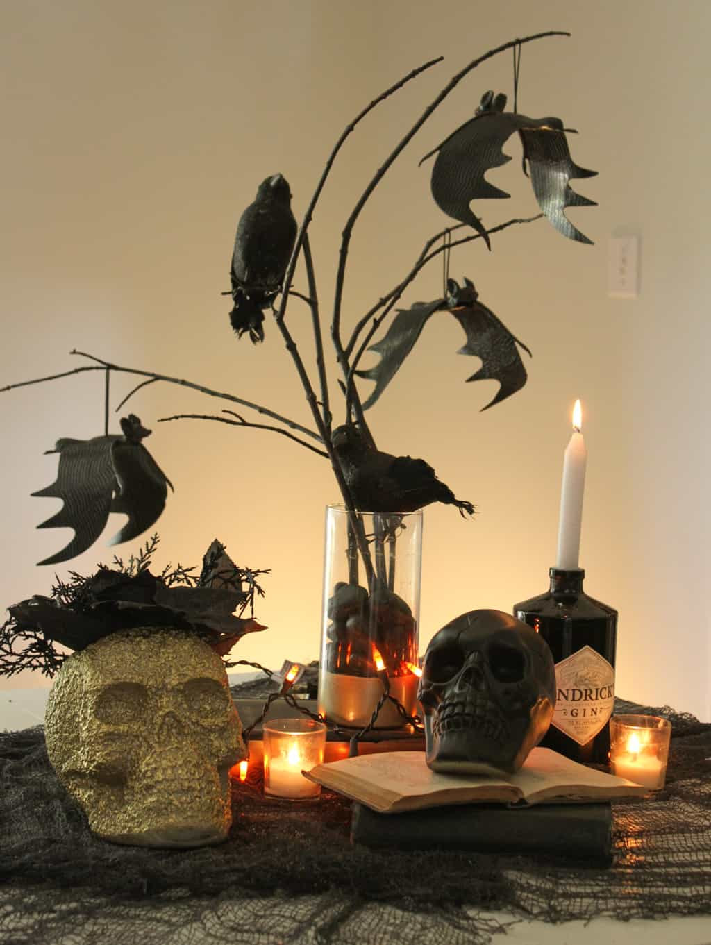 Are you hosting a Halloween party? I'm sharing 3 Last-minute DIY halloween decor ideas that are super easy, fun, and affordable!