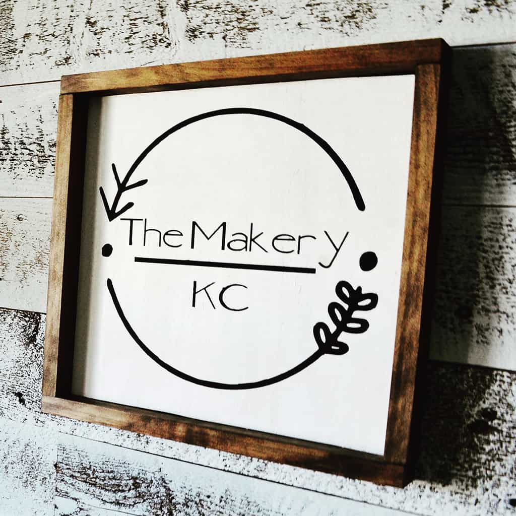 Audrey of Oh So Lovely Blog shares her experience attending a workshop by The Makery KC making a himmeli wreath.