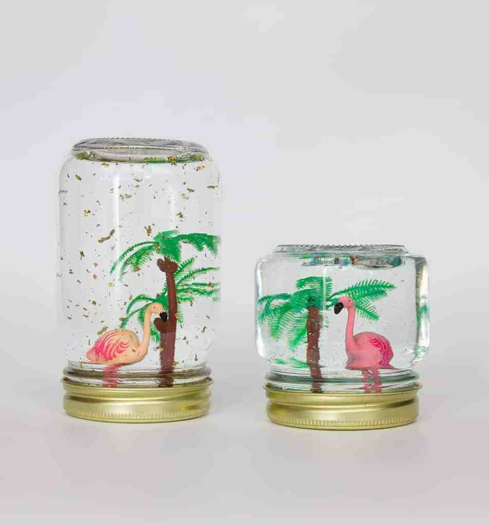 DIY  //  FLAMINGO SNOW GLOBES