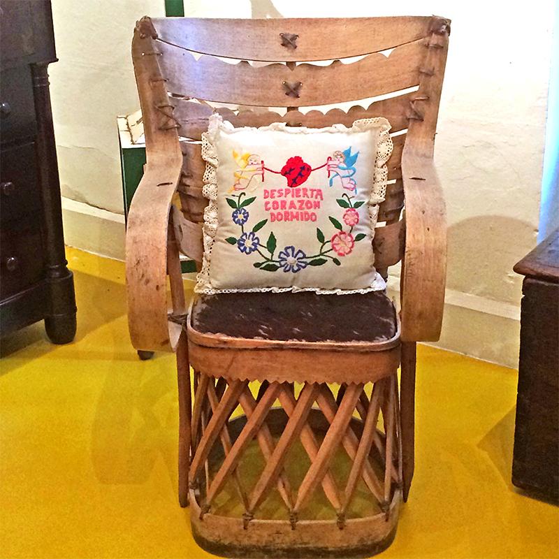 Cadeira no Museu Frida Kahlo