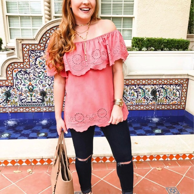 Running around Dallas in this eyelet ruffle top! Perfect forhellip