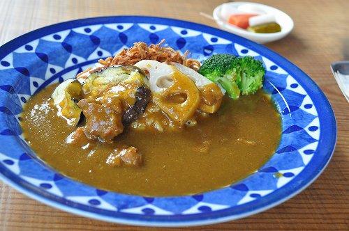チキンと地元野菜のカレー