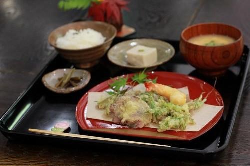 日替わり定食 / 700円