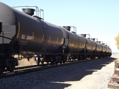 Moving Oil by Rail - Oil & Gas 360
