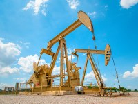 Drilling Slowdown Challenges, Invigorates Oilfield Service Providers