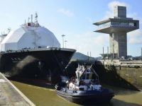 A First for LNG: Three Tankers Cross the Panama Canal in One Day