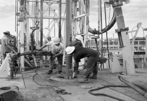 U.S. Drilling Reels from Oil Price Plunge