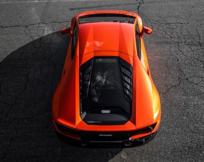Lamborghini Huracán EVO Puts AI Between the Seats that Learns Your Intention, Anticipates Your Moves - Oil & Gas 360
