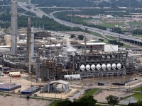 East Texas refineries shut key units, cut back production after Imelda